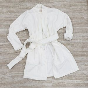 Ladies Ugg robe in oatmeal and pink